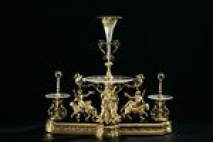 EPERGNE FROM A SEVEN-PIECE TABLE GARNITURE
