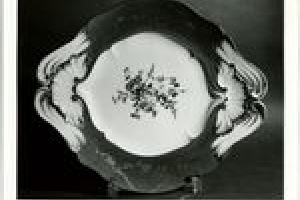 PLATTER (PLATEAU) FOR SOUP TUREEN (POT-À-OILLE DU ROI)