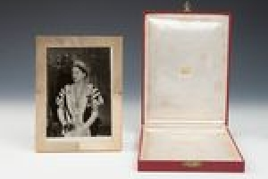 FRAME WITH A PHOTOGRAPH OF LADY BRAEBURN